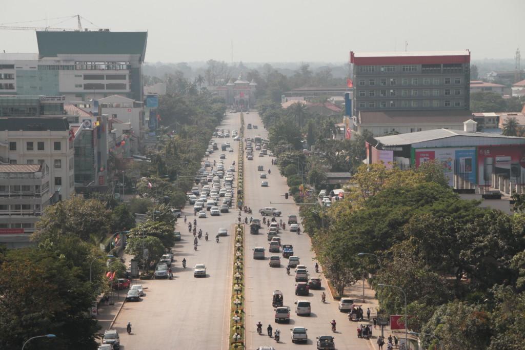 Photo prise du e Patuxai (Arc de triomphe du laos )