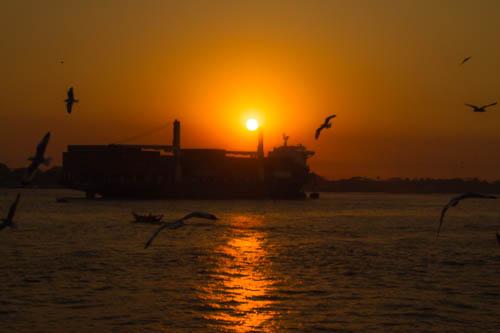 Coucher de soleil sur Da la et la rivière Yangon