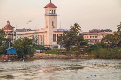 Le port de Yangon